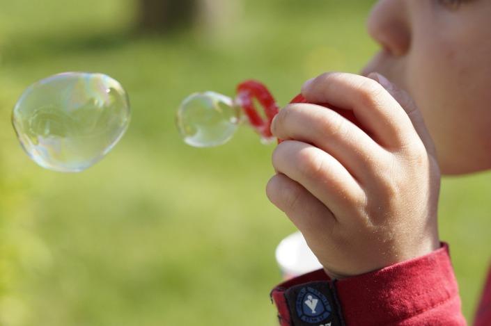 soap-bubbles-322212_1280